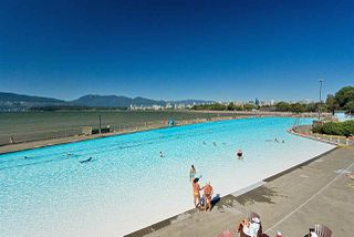 "Photo 25: 301 2255 YORK Avenue in Vancouver: Kitsilano Condo for sale in ""BEACH HOUSE"" (Vancouver West)  : MLS®# R2458588"