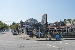 "Photo 30: 301 2255 YORK Avenue in Vancouver: Kitsilano Condo for sale in ""BEACH HOUSE"" (Vancouver West)  : MLS®# R2458588"