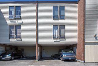 "Photo 3: 41 10200 4TH Avenue in Richmond: Steveston North Townhouse for sale in ""MANOAH VILLAGE"" : MLS®# R2485817"