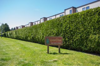 "Photo 2: 41 10200 4TH Avenue in Richmond: Steveston North Townhouse for sale in ""MANOAH VILLAGE"" : MLS®# R2485817"