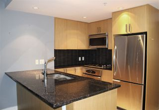 """Photo 8: 504 2978 GLEN Drive in Coquitlam: North Coquitlam Condo for sale in """"GRAND CENTRAL ONE"""" : MLS®# R2516760"""