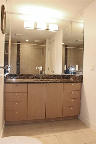 """Photo 13: 504 2978 GLEN Drive in Coquitlam: North Coquitlam Condo for sale in """"GRAND CENTRAL ONE"""" : MLS®# R2516760"""