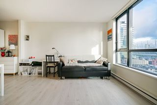 """Photo 9: 1407 977 MAINLAND Street in Vancouver: Yaletown Condo for sale in """"YALETOWN PARK 3"""" (Vancouver West)  : MLS®# R2524539"""
