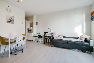 """Photo 8: 1407 977 MAINLAND Street in Vancouver: Yaletown Condo for sale in """"YALETOWN PARK 3"""" (Vancouver West)  : MLS®# R2524539"""