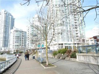 Photo 4: 1007 1077 MARINASIDE Crest in Vancouver: Condo for sale (Vancouver West)  : MLS®# V873489