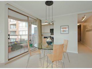Photo 4: # 408 15111 RUSSELL AV: White Rock Condo for sale (South Surrey White Rock)  : MLS®# F1305605