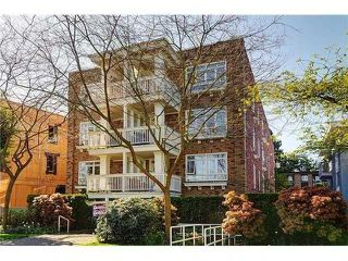 "Photo 1: # 105 2036 YORK AV in Vancouver: Kitsilano Condo for sale in ""THE CHARLESTON"" (Vancouver West)  : MLS®# V1013935"
