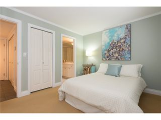"Photo 6: # 105 2036 YORK AV in Vancouver: Kitsilano Condo for sale in ""THE CHARLESTON"" (Vancouver West)  : MLS®# V1013935"