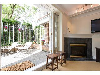 "Photo 2: # 105 2036 YORK AV in Vancouver: Kitsilano Condo for sale in ""THE CHARLESTON"" (Vancouver West)  : MLS®# V1013935"