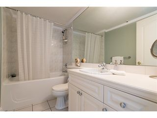 "Photo 11: # 105 2036 YORK AV in Vancouver: Kitsilano Condo for sale in ""THE CHARLESTON"" (Vancouver West)  : MLS®# V1013935"