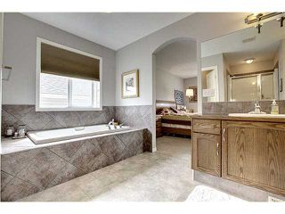 Photo 10: 152 Everhollow Way SW in CALGARY: Evergreen Residential Detached Single Family for sale (Calgary)  : MLS®# C3574589