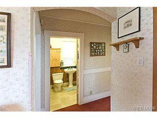 Photo 4: 2226 Oregon Ave in VICTORIA: Vi Fernwood Single Family Detached for sale (Victoria)  : MLS®# 502437
