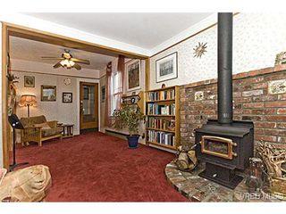 Photo 2: 2226 Oregon Ave in VICTORIA: Vi Fernwood Single Family Detached for sale (Victoria)  : MLS®# 502437