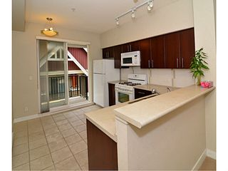 Photo 5: # 6 3298 E 54TH AV in Vancouver: Champlain Heights Condo for sale (Vancouver East)  : MLS®# V1080707