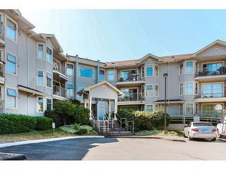 Photo 1: # 101 10756 138TH ST in Surrey: Whalley Condo for sale (North Surrey)  : MLS®# F1444754