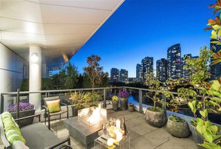 Photo 1: 801 1383 MARINASIDE CRESCENT in Vancouver: Yaletown Condo for sale (Vancouver West)  : MLS®# R2244068