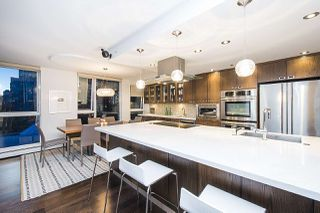 Photo 7: 801 1383 MARINASIDE CRESCENT in Vancouver: Yaletown Condo for sale (Vancouver West)  : MLS®# R2244068