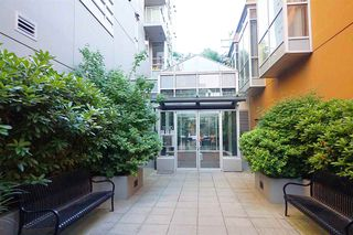 Photo 3: 307 1030 W BROADWAY in Vancouver: Fairview VW Condo for sale (Vancouver West)  : MLS®# R2334402