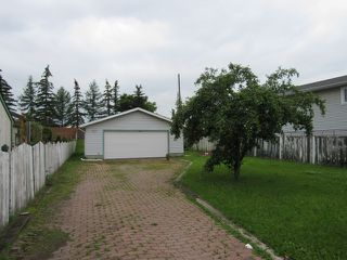 Photo 2: 17436 96 Street in Edmonton: House for rent