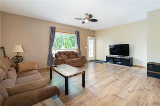 Photo 11: 16 WELLINGTON Cove: Strathmore Row/Townhouse for sale : MLS®# C4258417
