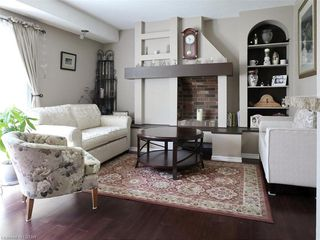 Photo 4: 32 30 CLARENDON Crescent in London: South P Residential for sale (South)  : MLS®# 215782