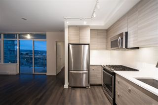 """Photo 8: 307 200 NELSONS Crescent in New Westminster: Sapperton Condo for sale in """"THE SAPPERTON"""" : MLS®# R2424400"""