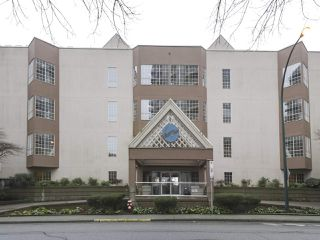"Photo 16: 301 1150 QUAYSIDE Drive in New Westminster: Quay Condo for sale in ""WESTPORT"" : MLS®# R2426092"