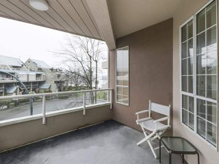 "Photo 13: 301 1150 QUAYSIDE Drive in New Westminster: Quay Condo for sale in ""WESTPORT"" : MLS®# R2426092"