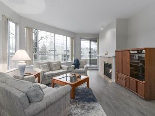 "Photo 2: 301 1150 QUAYSIDE Drive in New Westminster: Quay Condo for sale in ""WESTPORT"" : MLS®# R2426092"