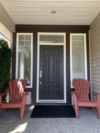 Photo 2: 15585 GOGGS Avenue: White Rock House for sale (South Surrey White Rock)  : MLS®# R2514789