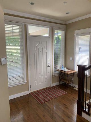 Photo 3: 15585 GOGGS Avenue: White Rock House for sale (South Surrey White Rock)  : MLS®# R2514789