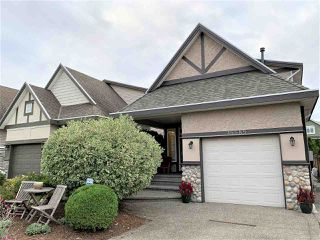 Photo 1: 15585 GOGGS Avenue: White Rock House for sale (South Surrey White Rock)  : MLS®# R2514789