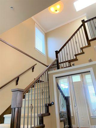 Photo 4: 15585 GOGGS Avenue: White Rock House for sale (South Surrey White Rock)  : MLS®# R2514789