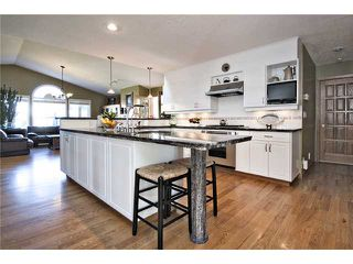 Photo 5: 2752 GRANT Crescent SW in CALGARY: Glenbrook Residential Detached Single Family for sale (Calgary)  : MLS®# C3540609