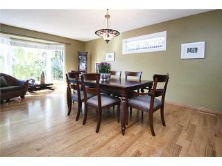 Photo 3: 2752 GRANT Crescent SW in CALGARY: Glenbrook Residential Detached Single Family for sale (Calgary)  : MLS®# C3540609