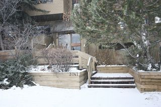 Photo 2: 301 - 3747 42 Street NW in Calgary: Varsity Village Condo for sale : MLS®# C3548115