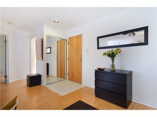"""Photo 2: 310 3131 MAIN Street in Vancouver: Mount Pleasant VE Condo for sale in """"CARTIER PLACE"""" (Vancouver East)  : MLS®# V991875"""