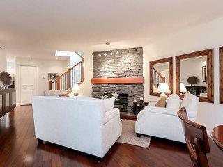 Photo 3: 5 181 RAVINE DRIVE in PORT MOODY: Heritage Mountain Townhouse for sale (Port Moody)  : MLS®# V1142572