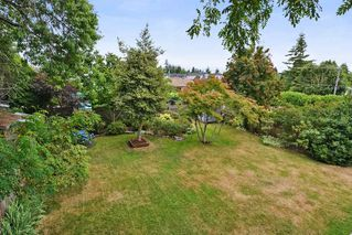 Photo 18: 15579 OXENHAM AVENUE: White Rock House for sale (South Surrey White Rock)  : MLS®# R2290933