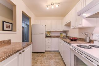 """Photo 10: 210 1555 FIR Street: White Rock Condo for sale in """"SAGEWOOD"""" (South Surrey White Rock)  : MLS®# R2388121"""
