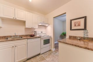 """Photo 12: 210 1555 FIR Street: White Rock Condo for sale in """"SAGEWOOD"""" (South Surrey White Rock)  : MLS®# R2388121"""