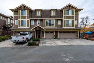 """Main Photo: 28 45025 WOLFE Road in Chilliwack: Chilliwack W Young-Well Townhouse for sale in """"Centre Field"""" : MLS®# R2419066"""