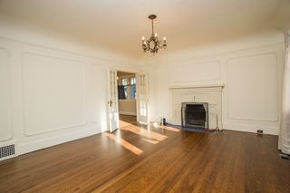 Photo 3: 1271 E 14TH Avenue in Vancouver: Mount Pleasant VE House for sale (Vancouver East)  : MLS®# R2421844