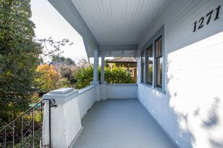 Photo 2: 1271 E 14TH Avenue in Vancouver: Mount Pleasant VE House for sale (Vancouver East)  : MLS®# R2421844