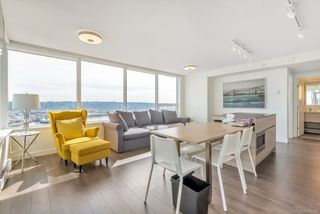 Photo 8: 2509 988 QUAYSIDE Drive in New Westminster: Quay Condo for sale : MLS®# R2444956