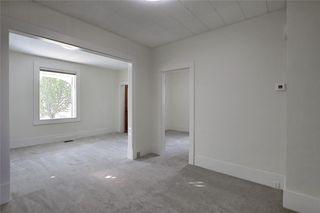 Photo 4: 814 20 Street SE in Calgary: Inglewood Detached for sale : MLS®# C4300436