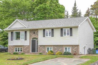 Main Photo: 365 Auburn Drive in Dartmouth: 15-Forest Hills Residential for sale (Halifax-Dartmouth)  : MLS®# 202010146