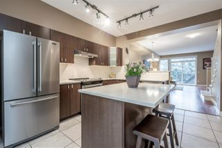 "Photo 2: 49 2200 PANORAMA Drive in Port Moody: Heritage Woods PM Townhouse for sale in ""THE QUEST"" : MLS®# R2465760"