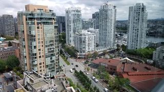 "Photo 19: 2305 289 DRAKE Street in Vancouver: Yaletown Condo for sale in ""Parkview Tower"" (Vancouver West)  : MLS®# R2474157"