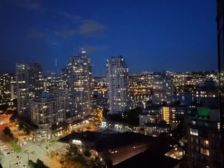 "Photo 20: 2305 289 DRAKE Street in Vancouver: Yaletown Condo for sale in ""Parkview Tower"" (Vancouver West)  : MLS®# R2474157"